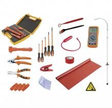 Комплект инструменти за ремонти по електрическа система на електрически хибридни автомобили.